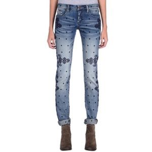 BlankNYC embroidered ice pick straight leg jeans